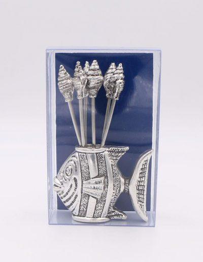 876P61A Pez con 6 pinchos caracolas (Plata - Caja plástico - Cartón azul)