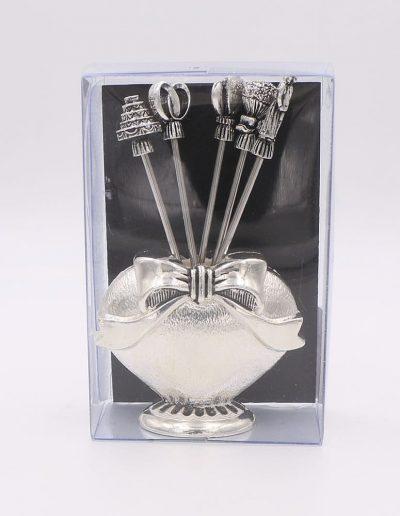 923PN Corazón con 6 pinchos surtido boda (Plata - Caja plástico - Cartón negro)